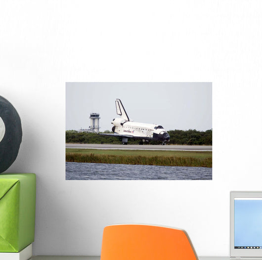 Space Shuttle Discovery Runway Wall Decal Design 2