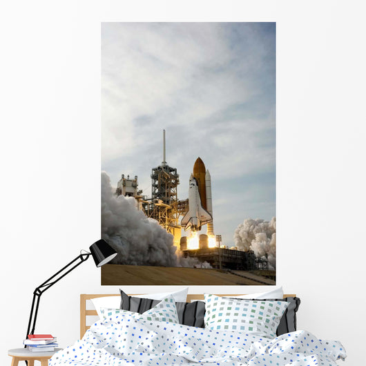 Space Shuttle Endeavour Lifts Wall Decal Design 13