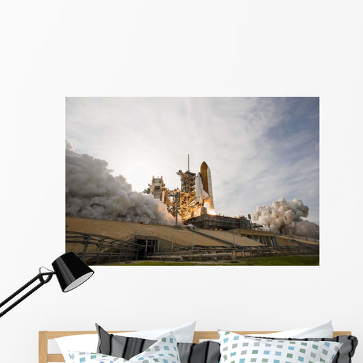 Space Shuttle Endeavour Lifts Wall Decal Design 12