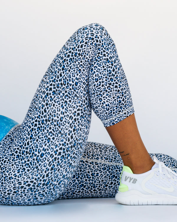 Snow Leopard Leggings 3/4 Length