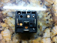 Bosch 0332204401 Fuel Injection Main Relay   0 332 204 401