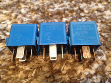 OEM BMW E31 E32 E34 E36 E39 E38 E46 RELAYS LOT ASSORTMENT Siemens, Bosch, Tyco