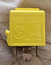 BMW Relay 61.36-1 389 105 Yellow 5-Prong  Siemens V23134-K52-X181