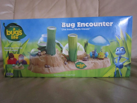 A Bug's Life: Bug Encounter Live Insect Multi-Viewer (Pre-Owned) (Known issues: Heimlich needs repaired/glued down/sold as is/no returns)