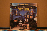 Daryl Hall & John Oates ‎– Bigger Than Both Of Us