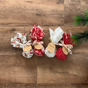 4 PACK CHRISTMAS BATH BOMBS
