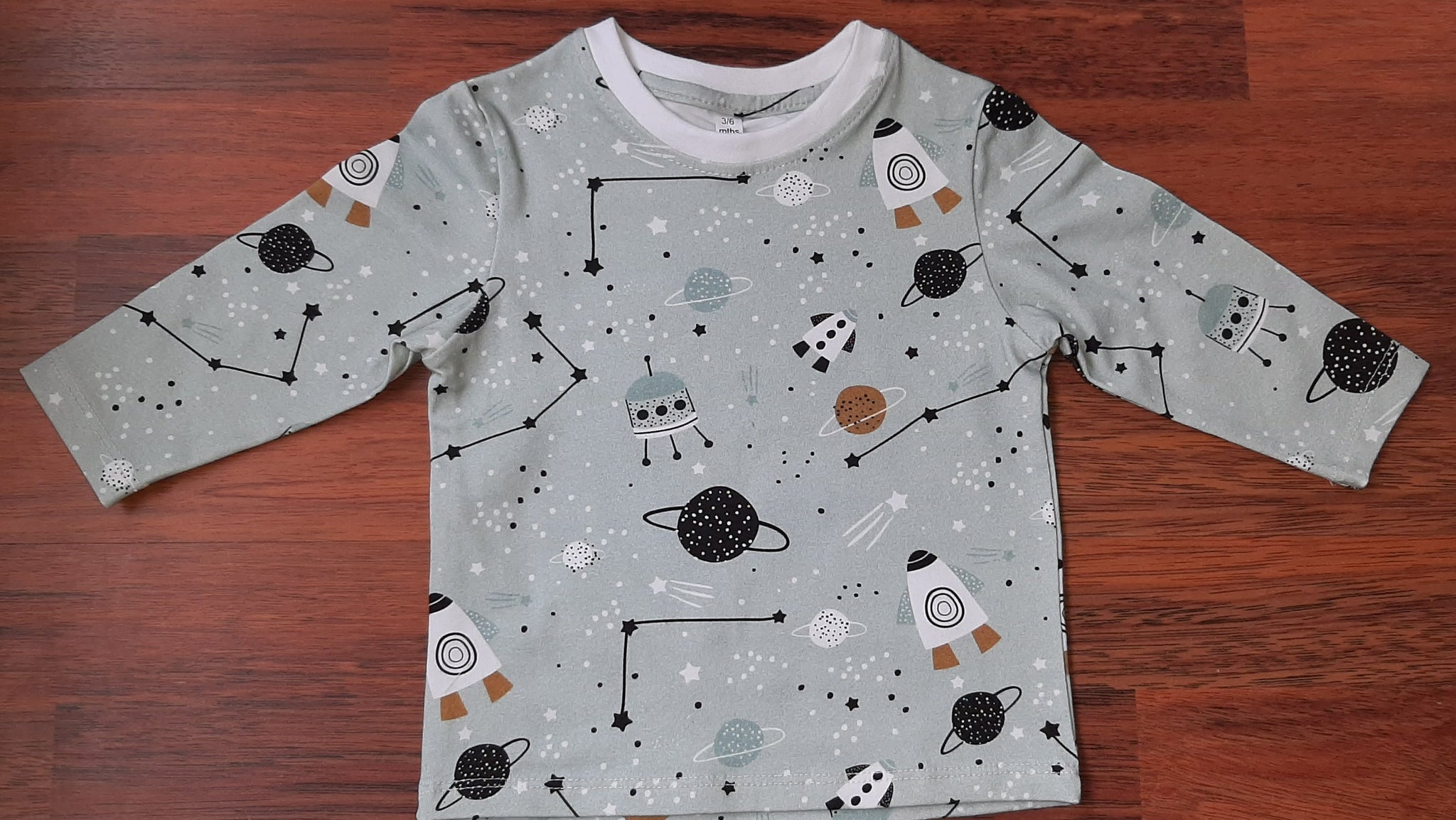 Space Theme Long Sleeve t-shirt