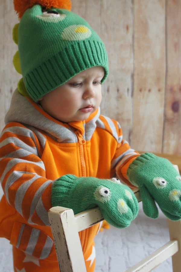 Crocodile hat and mitten set