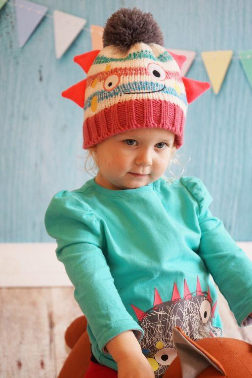 Messy monster hat and mitten set