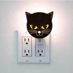 Black cat night light by kikkerland
