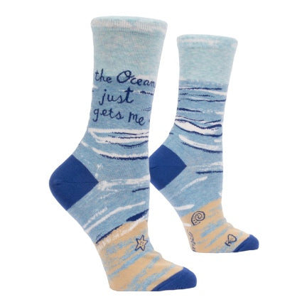 The ocean just gets me womens crew sock pale blue and sand