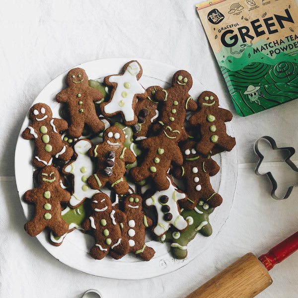 Gingerbread Cookies with Matcha Icing | Rawnice