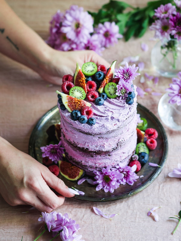 Rustic Chocolate Cake with Purple Vanilla Frosting | Rawnice