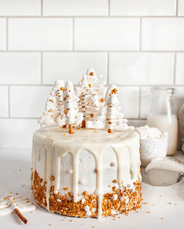 Winter Pear Spice Cake with Vanilla Buttercream | Rawnice