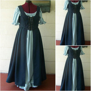 Green Traveling and Visiting Historical Dress - Green / XS