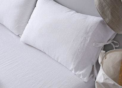 Linen Edge Bow Pillowcase