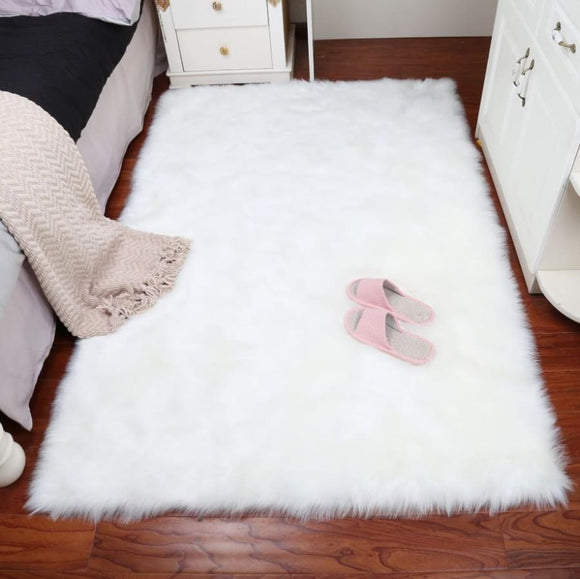 White Area Rug - White / 600mmX1200mm
