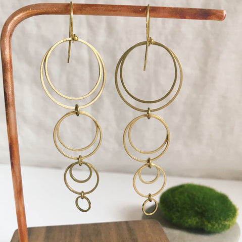 Hoop de hoop kinetic dangle earrings