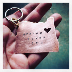 Oregon loves you Keychain