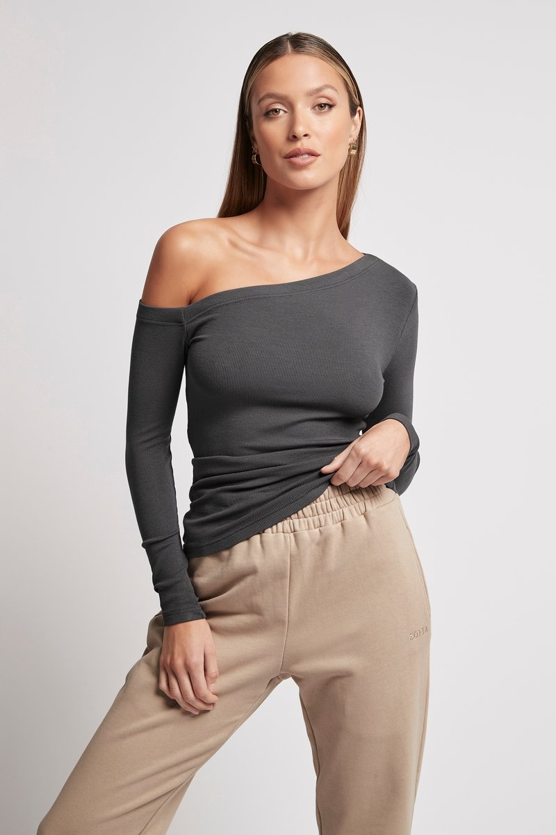 ONE SHOULDER RIB LONG SLEEVE CHARCOAL Tops SOFIA