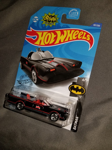 Hot Wheels Classic TV Series Batmobile #4/5 2017 Sealed on Card New