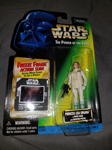 Star Wars Power Of The Force Princess Leia Organa in Hoth Gear w/ Blaster Pistol Sealed on Green Card New