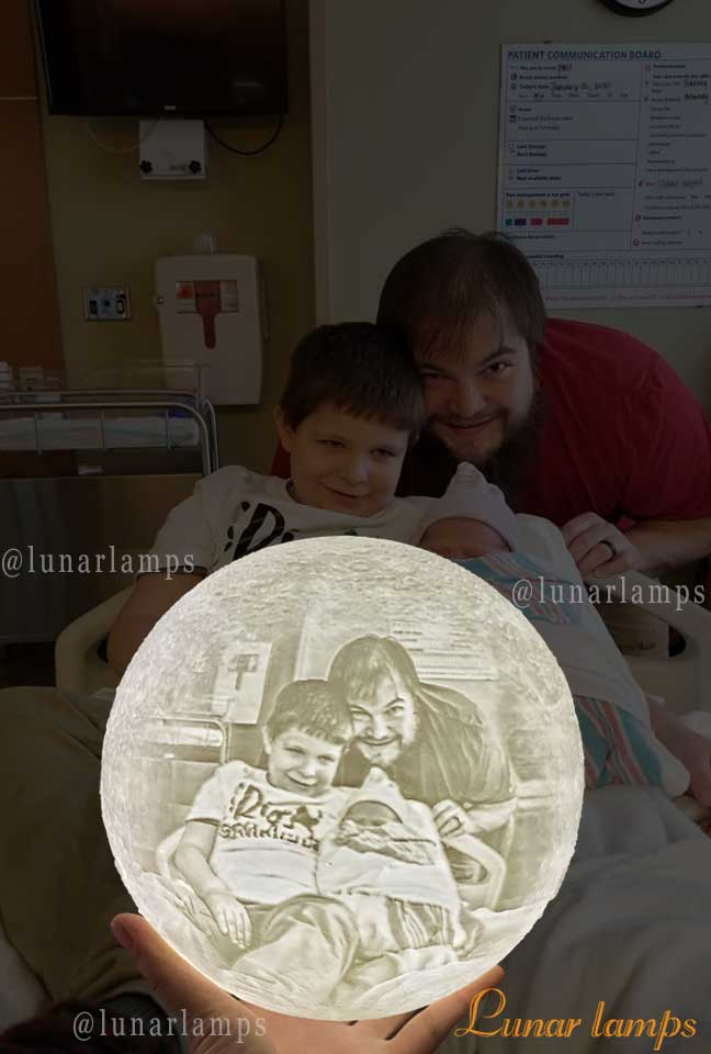 photo moon lamp dad and son