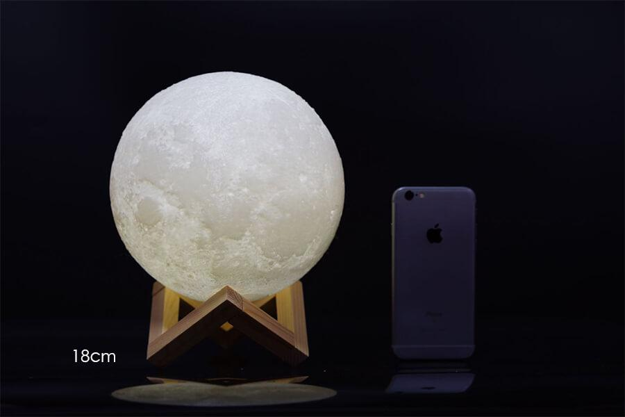 ... Original 3D Moon Lamp 18cm Diamerter ...