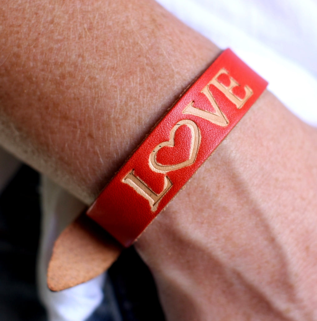 Cocoa Brown Love Leather Strap Bracelet