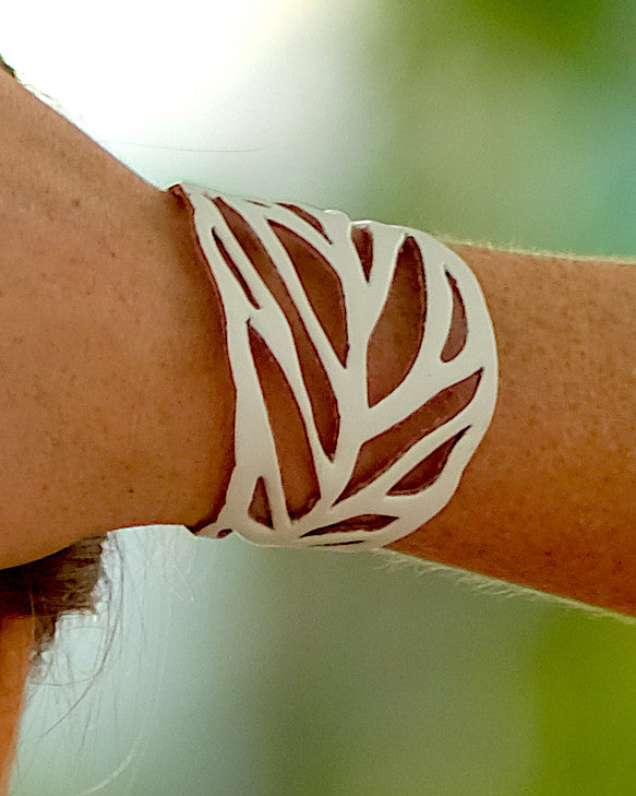 White Leaf Leather Bracelet
