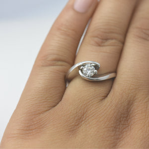 diamond engagement ring swirling