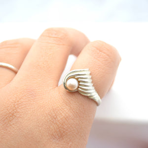 Silver Pearl Shell Ring