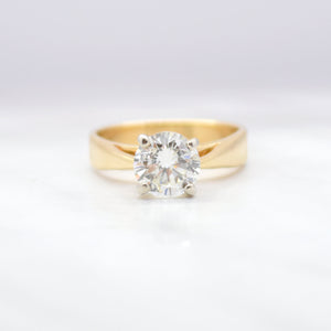 diamond solitaire in yellow gold ring