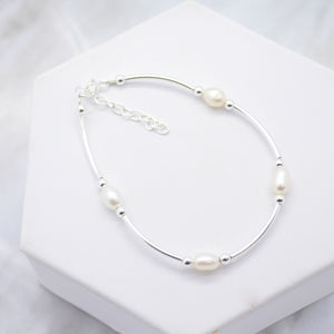 Freshwater Pearl and Polished Tube Bracelet