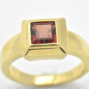 mozambique garnet stone ring