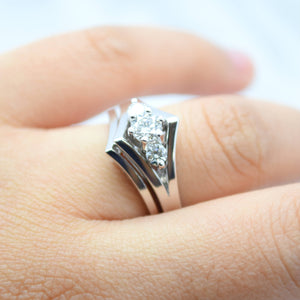 Chevron Wedding Set With Three Diamonds