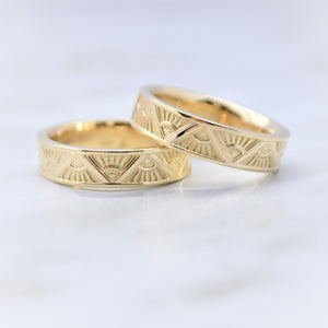 mini art deco ring in yellow gold
