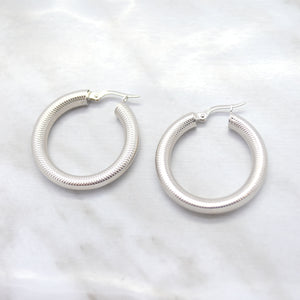10K White Gold Textured Hoop Earrings
