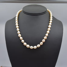 peach pearl strand necklace