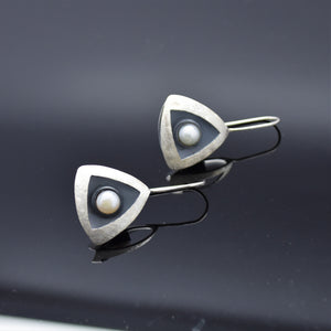 Geometric Pearl Earrings