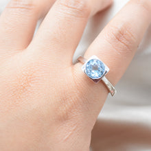 blue topaz ring silver
