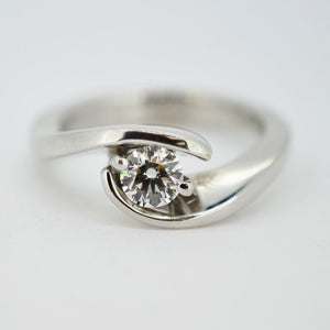 Swirling Claw Wedding Set