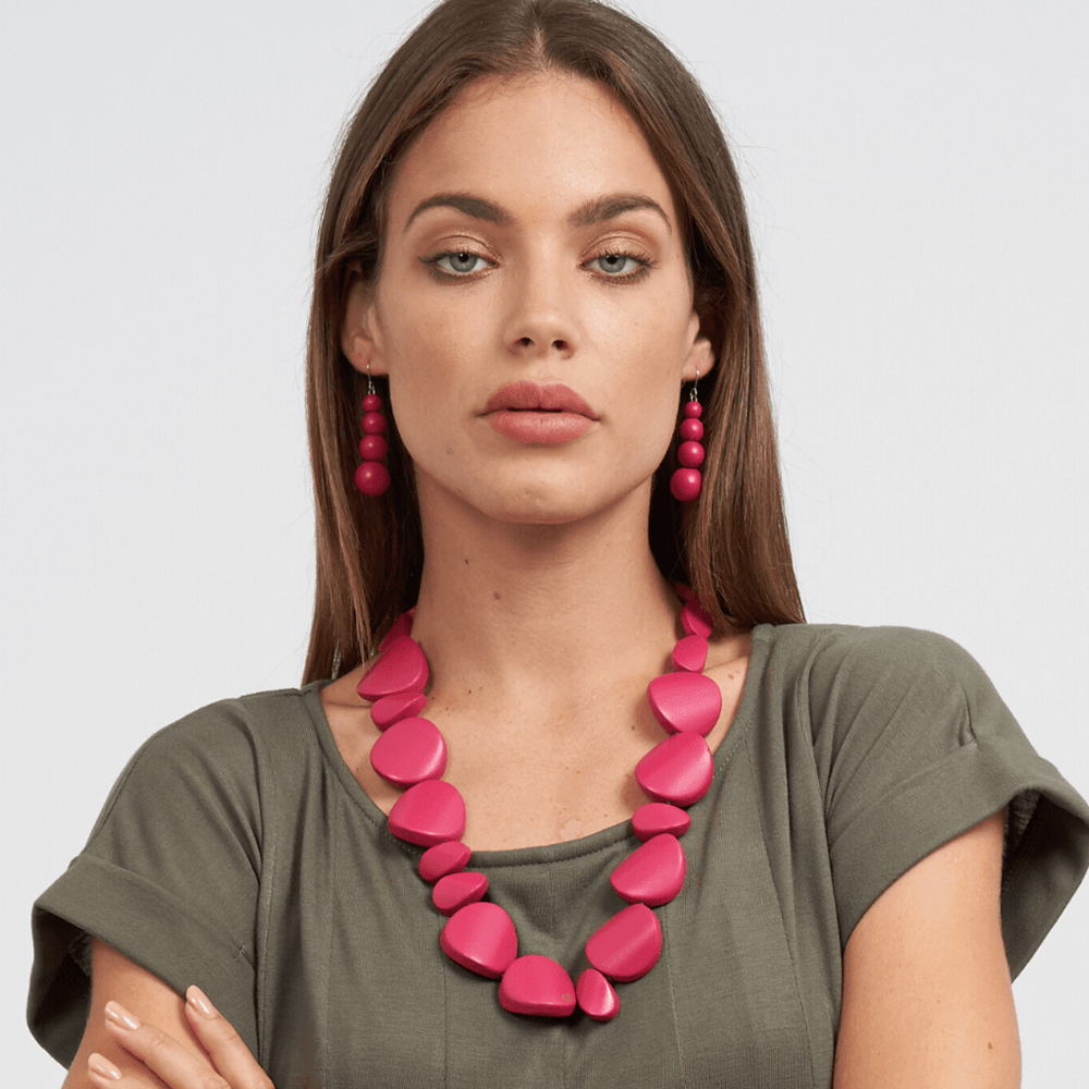 Concave Short Necklace Fuchsia