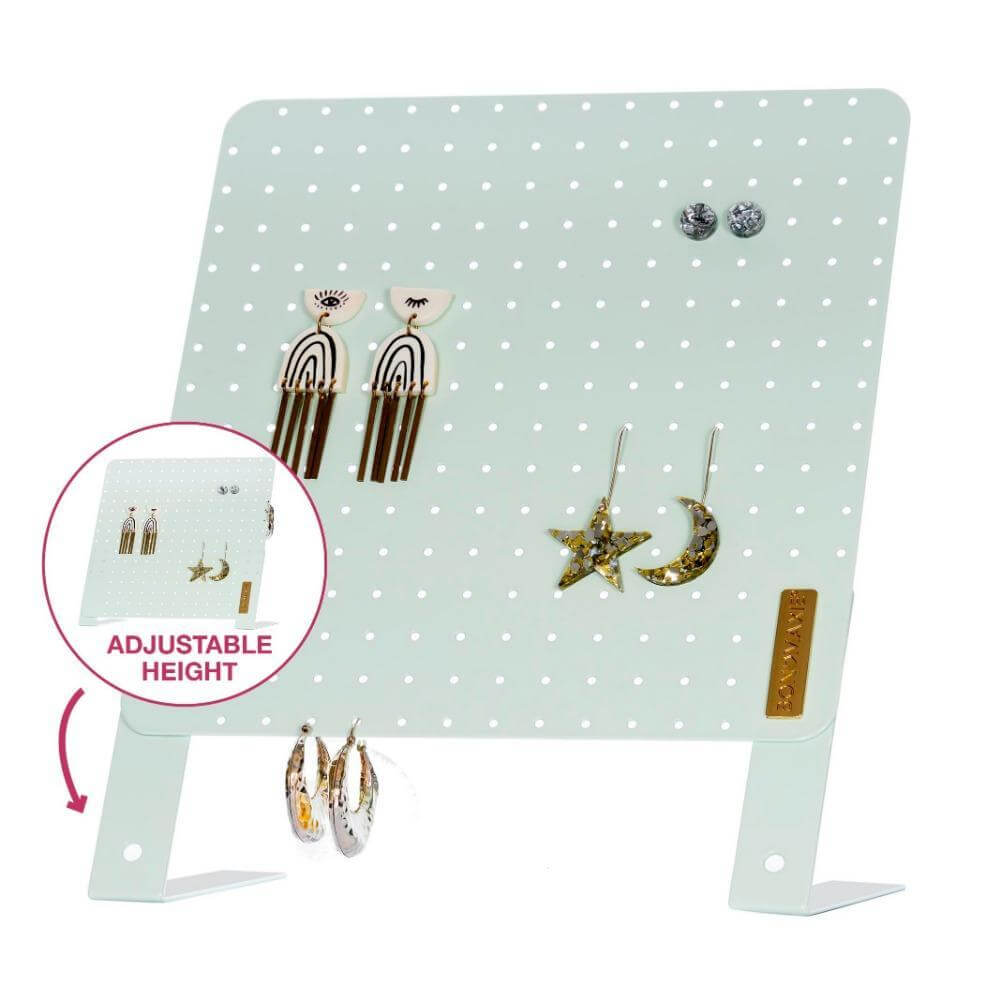 Image shows the earring stand box.