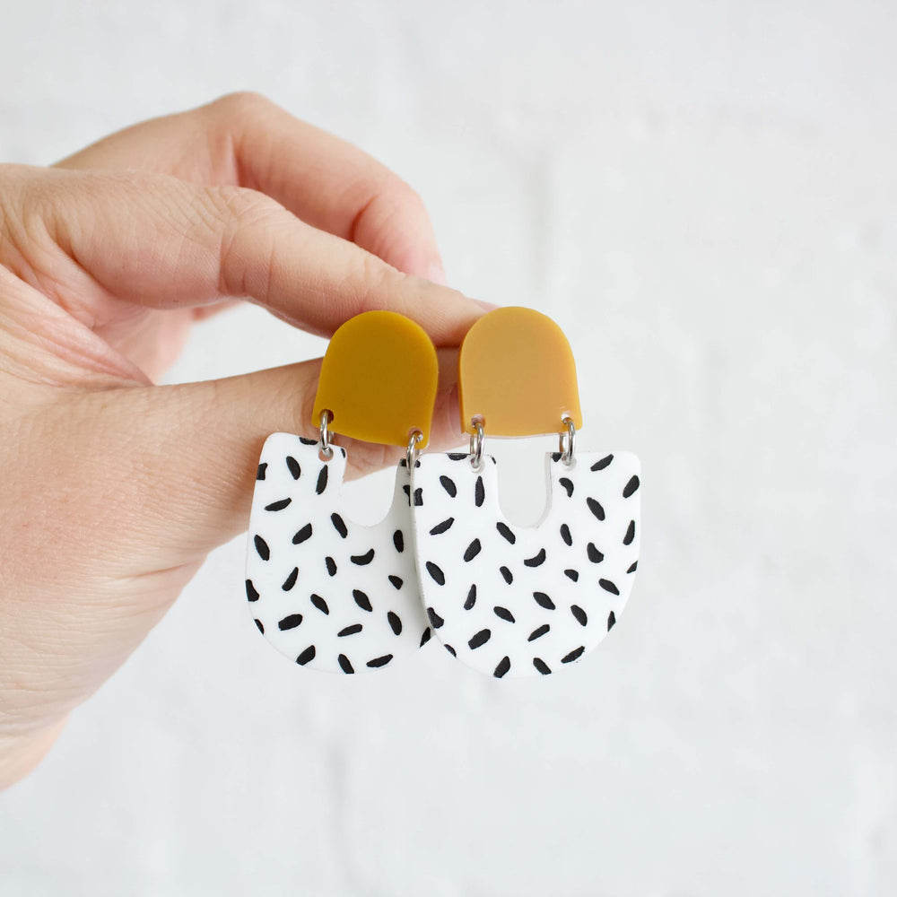 Moops Earrings Mustard + Black