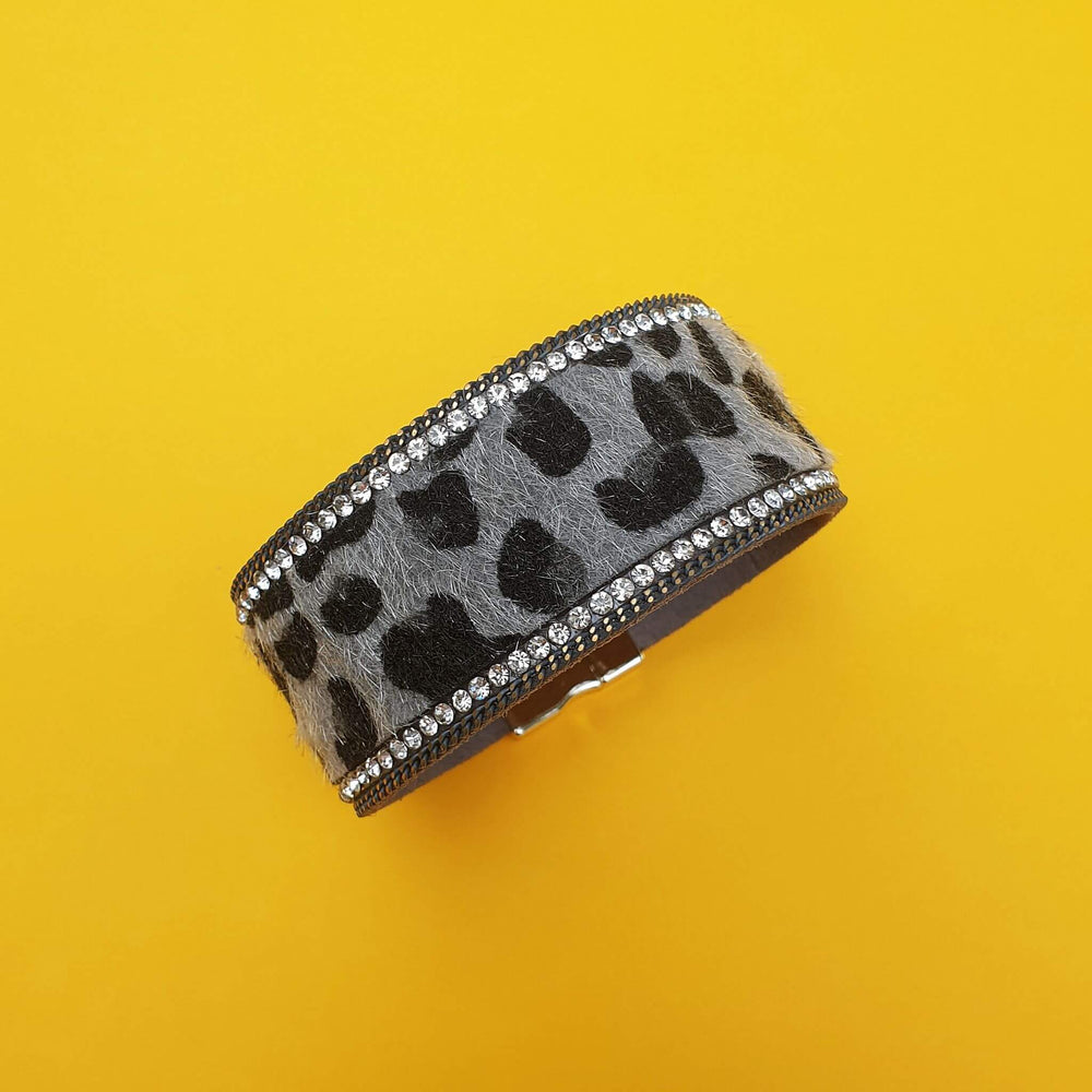 Wrap bracelet in grey animal print with sparkly edging.