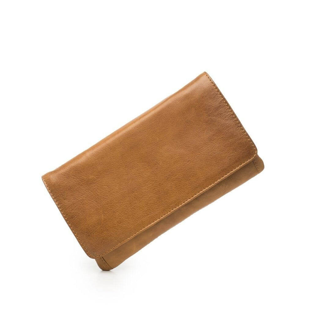 Product photo of the Sirena leather tan wallet.