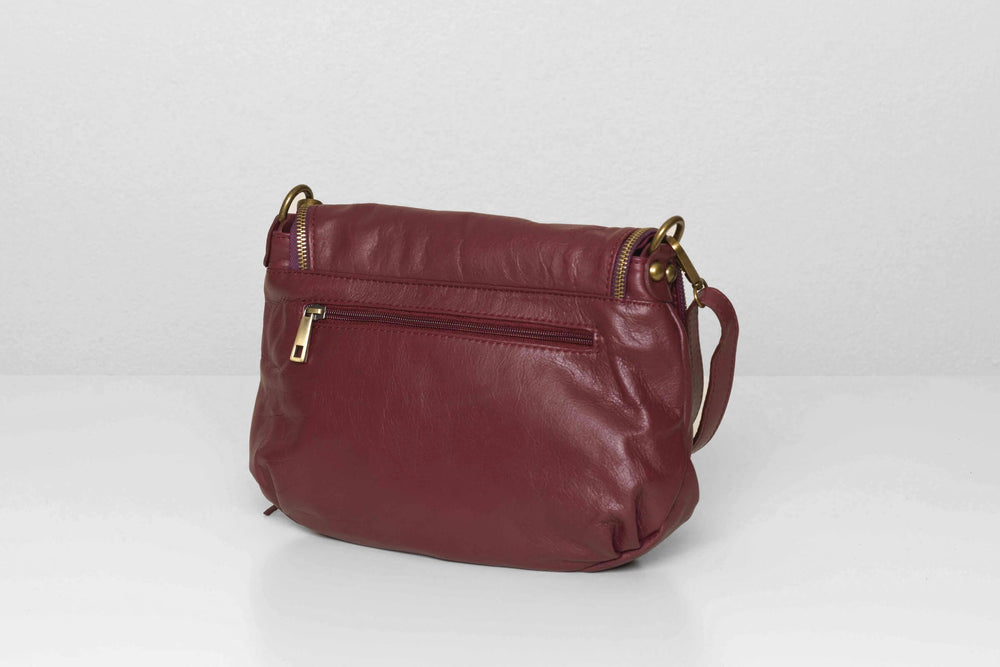 Back view of the Vasarino bag in plum.