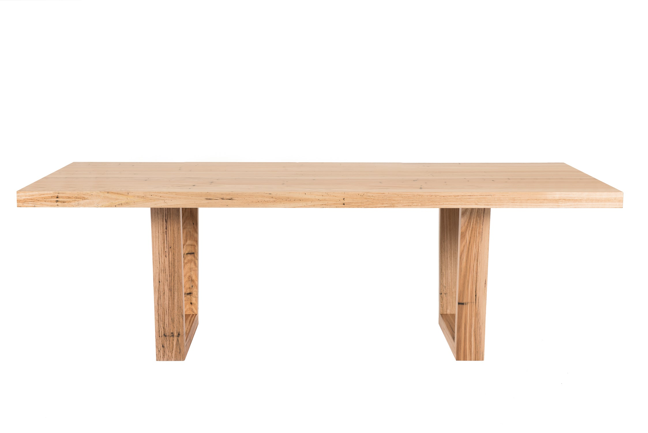 Que Table 6 - with Tapered Timber Base