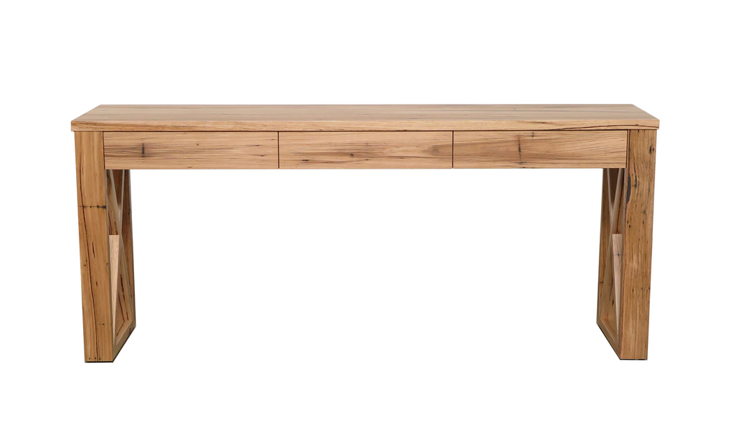 Que Console 1 - with Cross Timber Legs